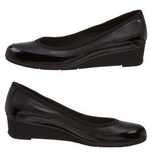 Liz Claiborne Women's STACY Black Slip On
